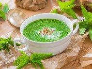 Крем супа от спанак и коприва със сметана